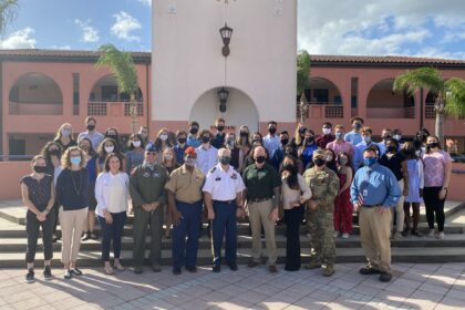 Teens Lsiten November 18 students and veterans